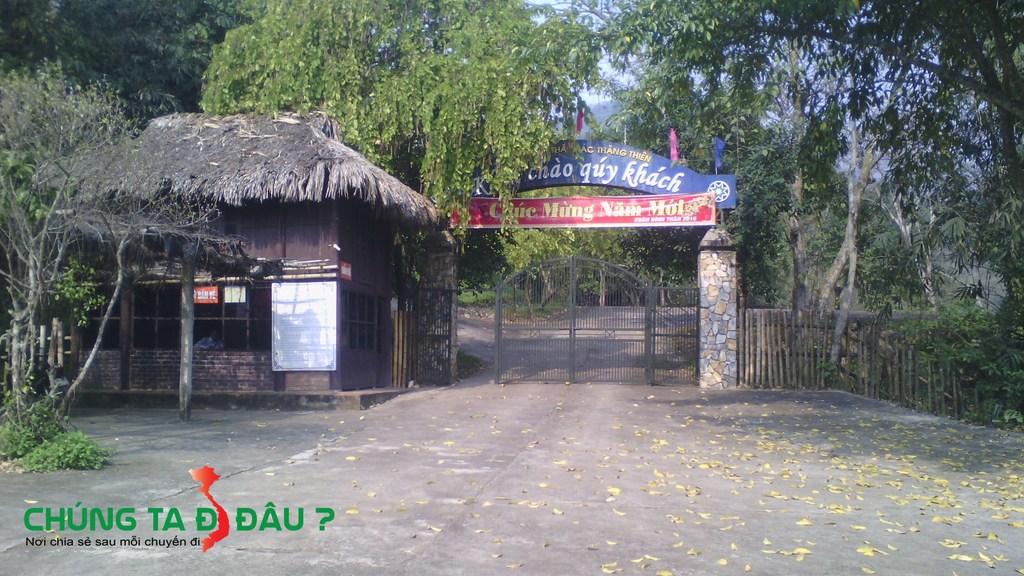 Cổng vào khu du lịch sinh thái Thác Thăng Thiên