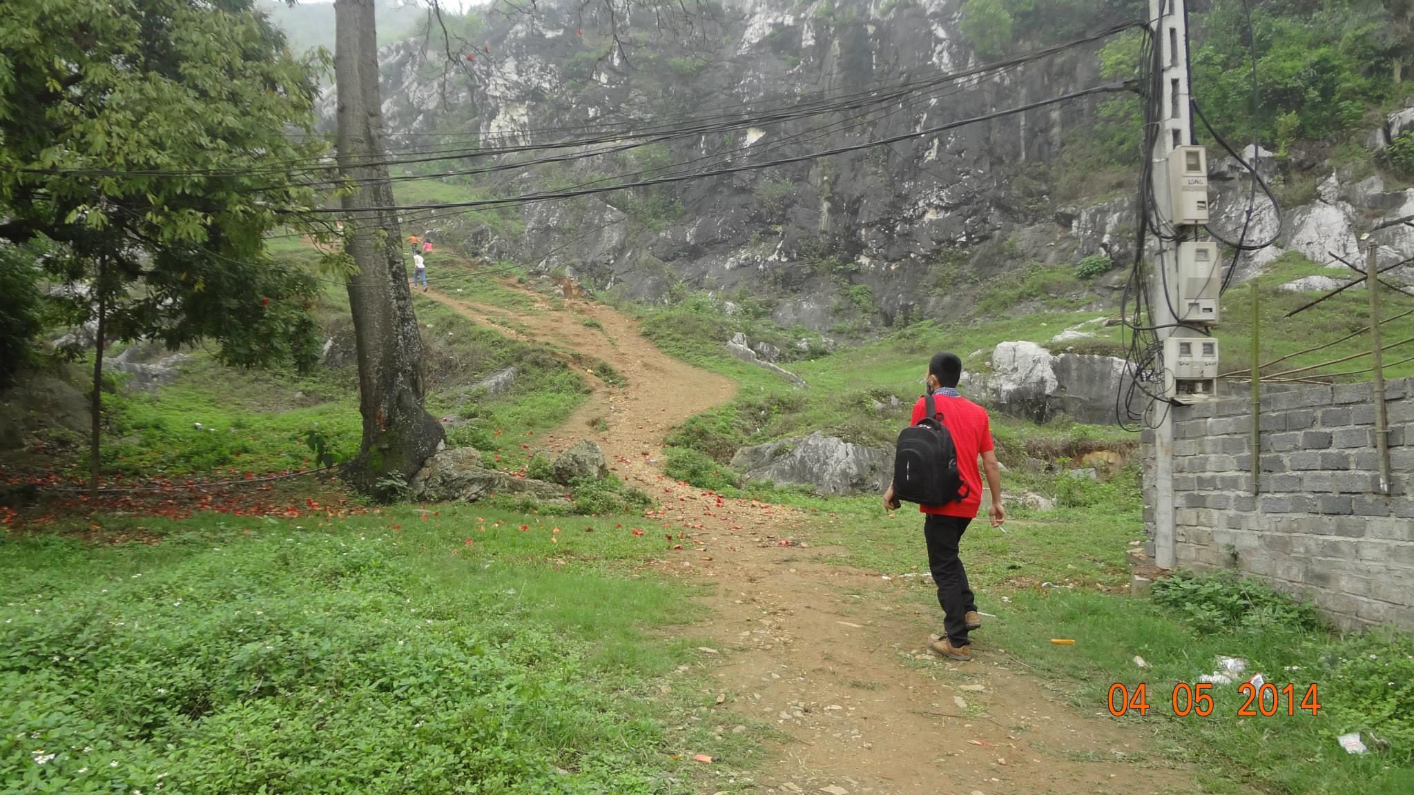 Đường lên núi Trầm
