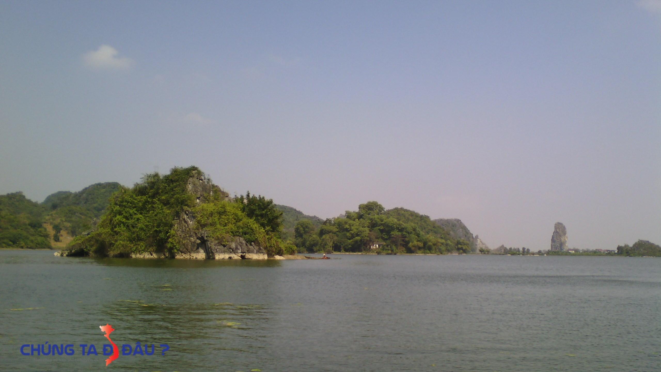 Nét thơ mộng thu hút của hồ Quan Sơn