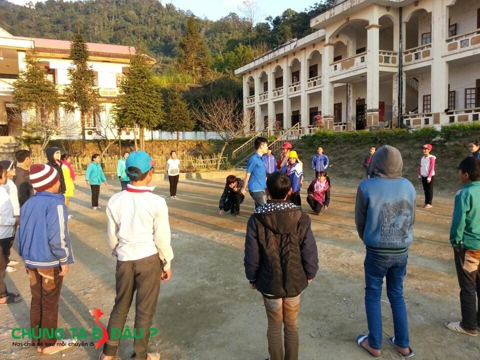 Vui chơi cùng các em nhỏ tại Dào San