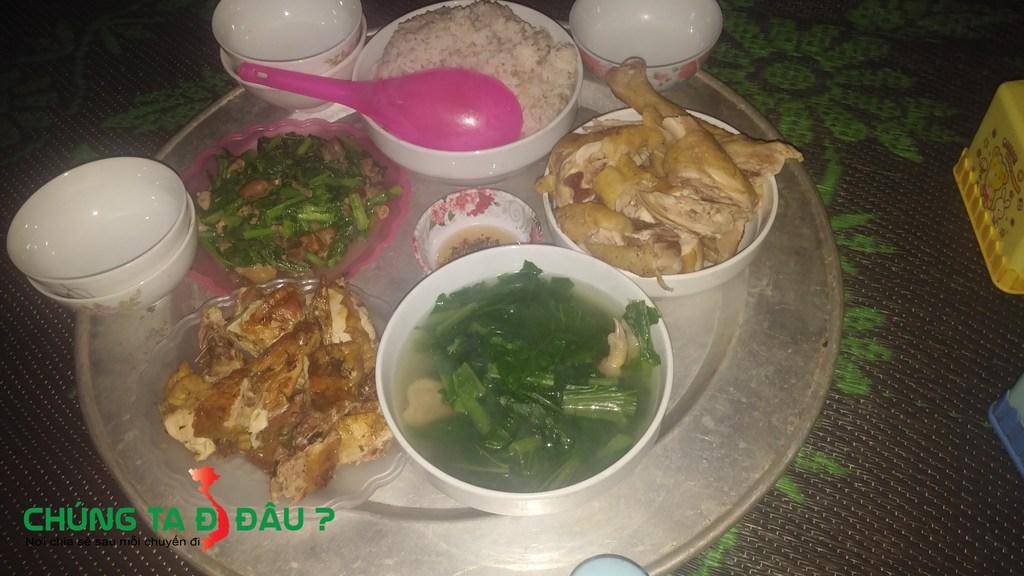 Bữa tối tại Pha luông