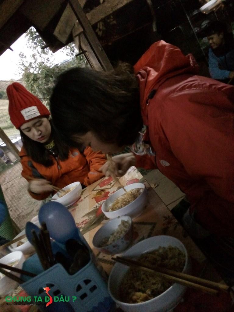 Bữa sáng tại Pha luông