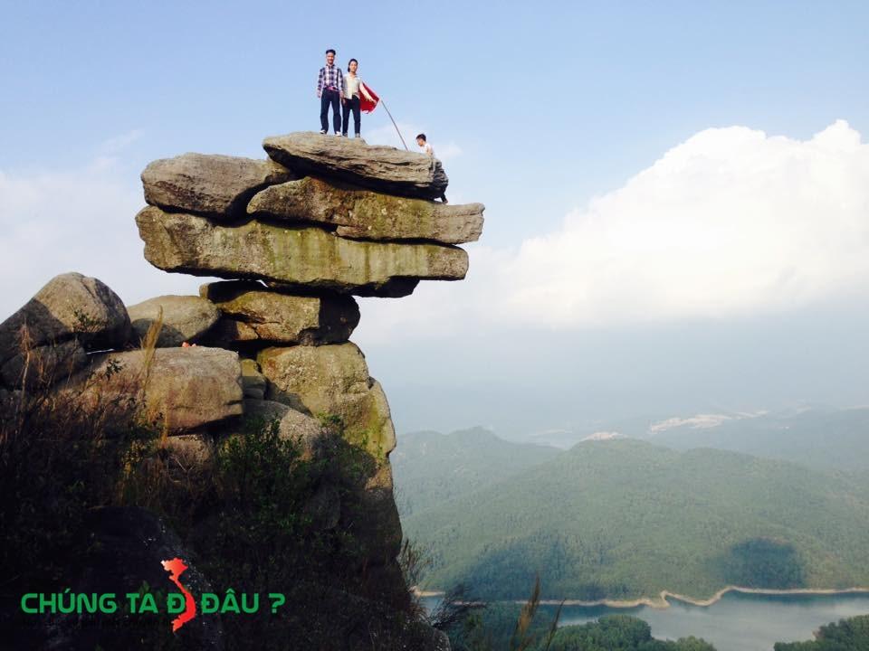Núi Đá Chồng