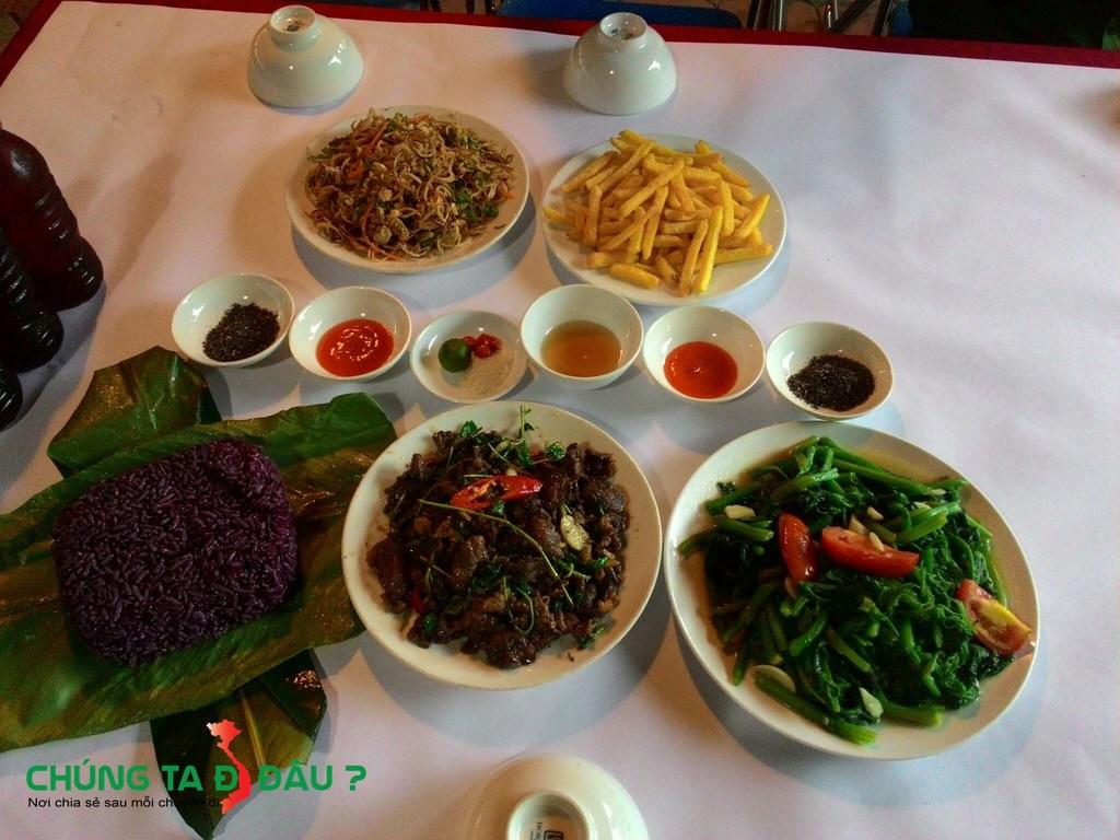 Bữa cơm của mình hôm đến Thái Hải