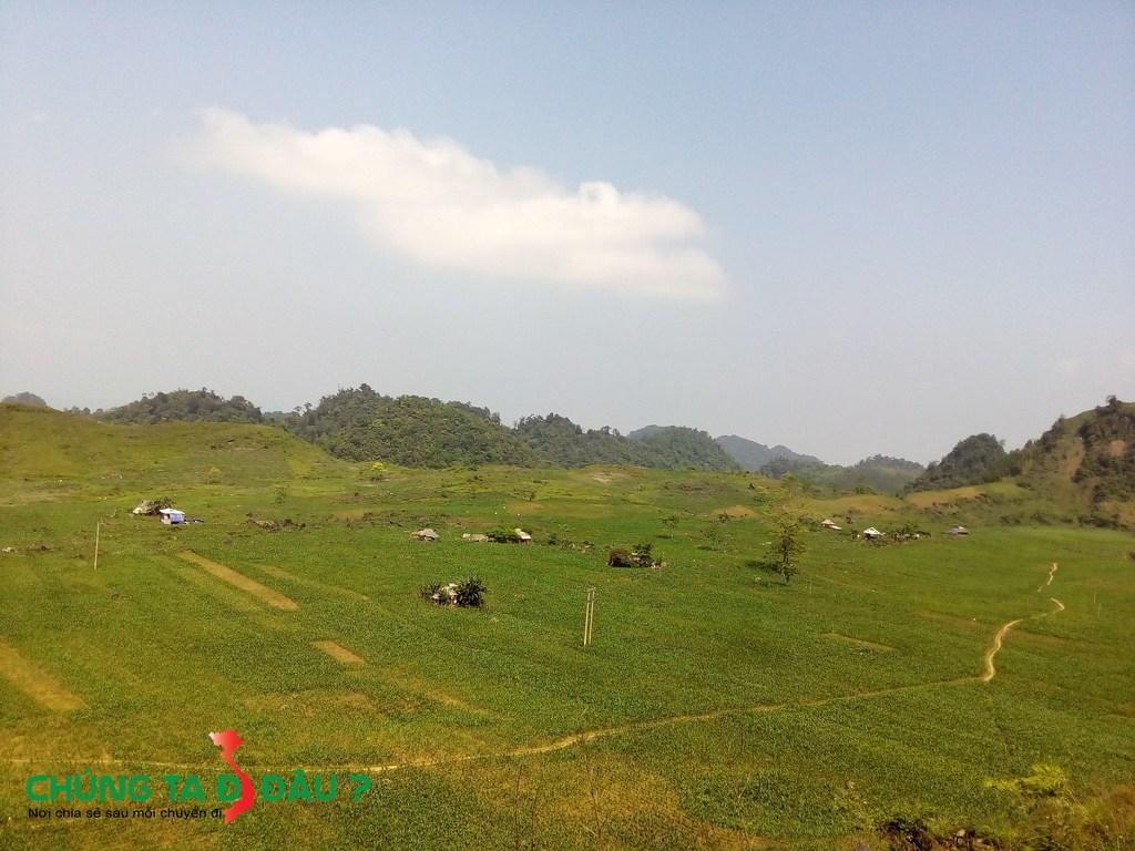 Những cánh đồng Ngô bạt ngàn trong Khu bảo tồn thiên nhiên Ngọc Sơn - Ngổ Luông