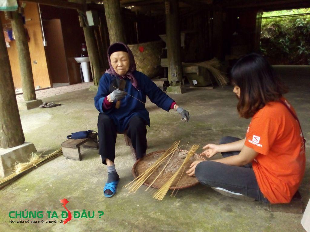 Trò chuyện với cụ bà già nhất bản làng