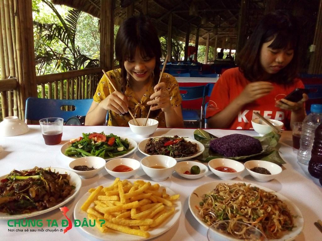 Bữa cơm của chúng tôi tại Thái Hải