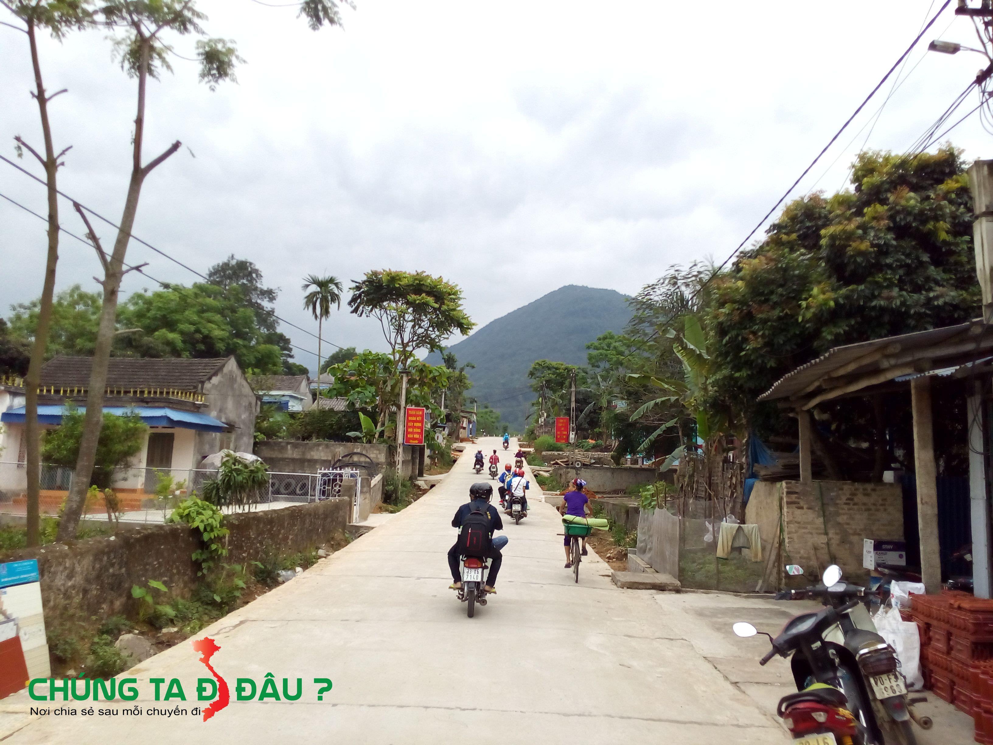 Đừng vào suối Kẹm đoạn qua cổng chào làng chè La Bằng