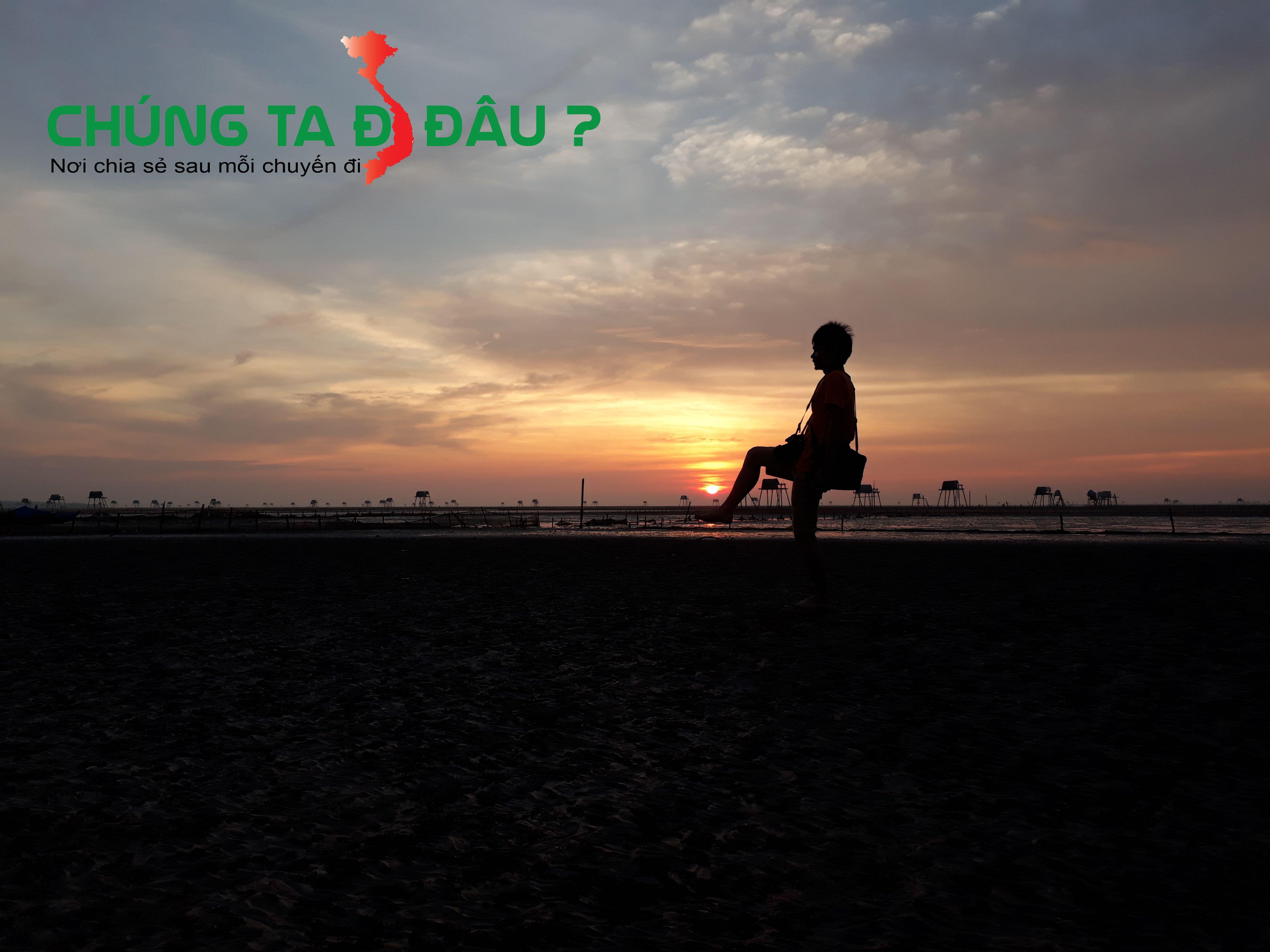 Mặt trời lên trên bãi biển Đồng Châu