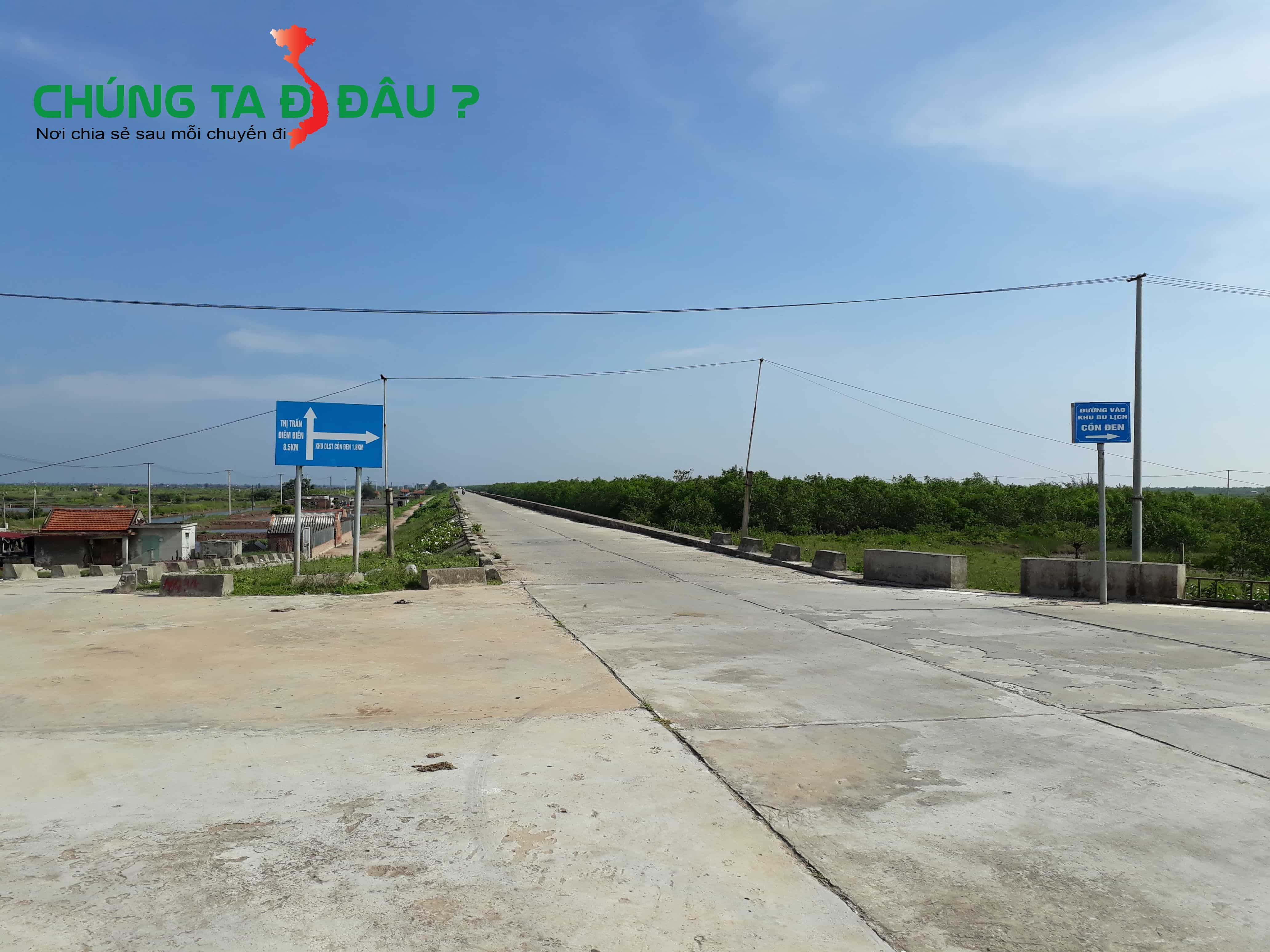 Đoạn này mà cứ thẳng đường là đến thị trấn Diêm Điền